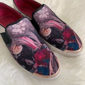 🌴Ted Baker London Laulei Floral RoseGold Sneakers